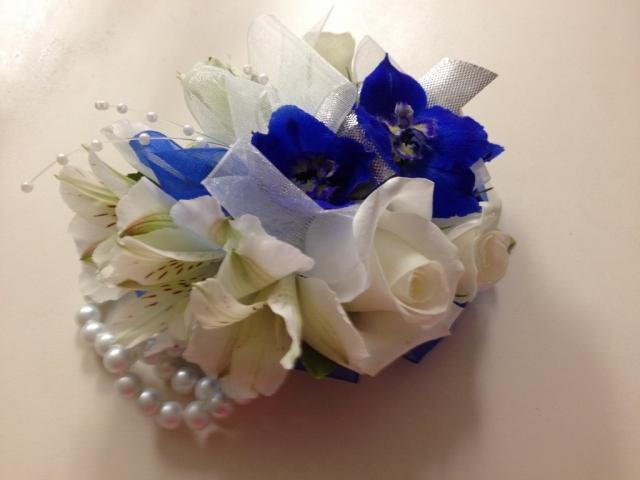 Wristlet - White Spray Rose, Blue Delphinium