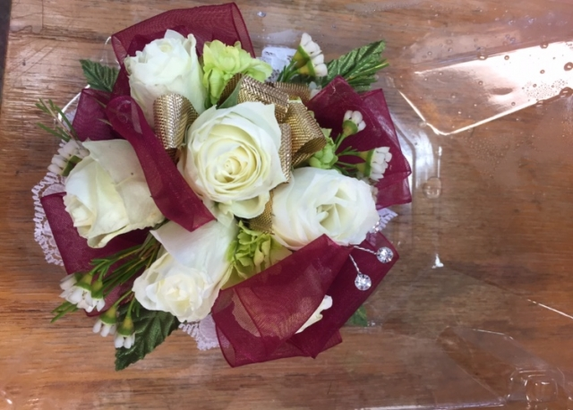 Wristlet - White Spray Rose, Green Hydrangea